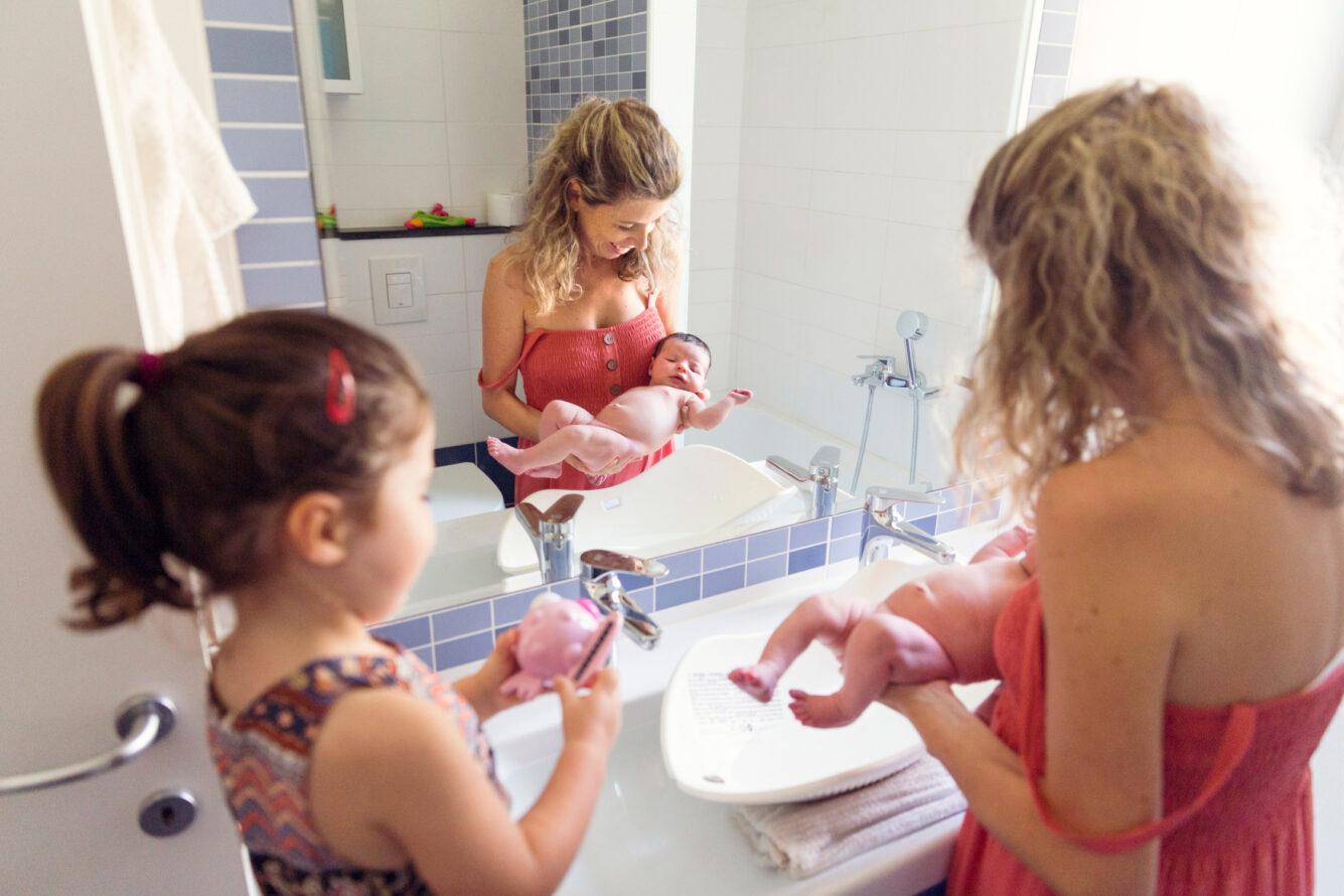 neonati La Spezia servizio fotografico a casa primo bagnetto